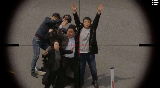"""""""Vagabond"""" tập 12: Trở về từ cõi chết, cuối cùng Lee Seung Gi và Suzy đã đưa được tên khủng bố ra hầu tòa - Ảnh 13."""