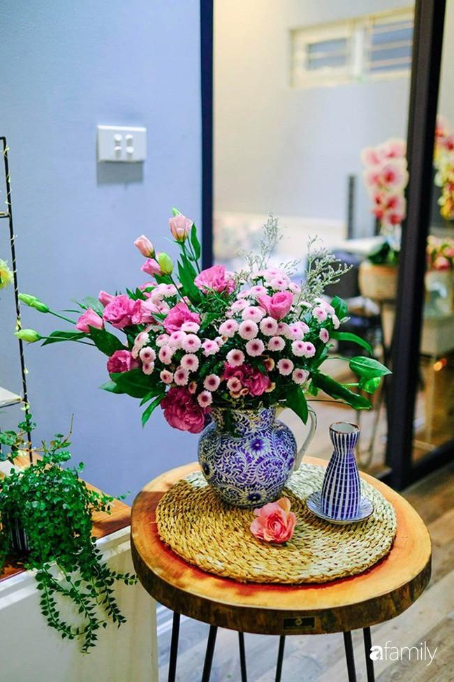 Căn hộ 86m2 rực rỡ sắc màu Halloween nhờ bàn tay khéo léo của mẹ trẻ yêu thích cắm hoa ở Hà Nội - Ảnh 30.