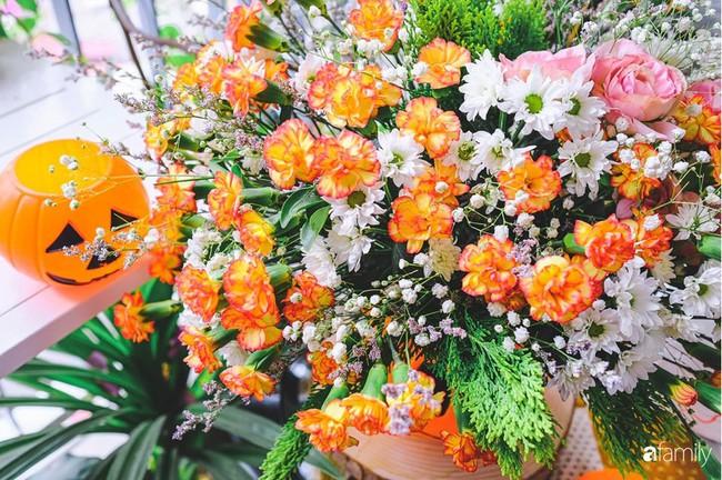 Căn hộ 86m2 rực rỡ sắc màu Halloween nhờ bàn tay khéo léo của mẹ trẻ yêu thích cắm hoa ở Hà Nội - Ảnh 15.