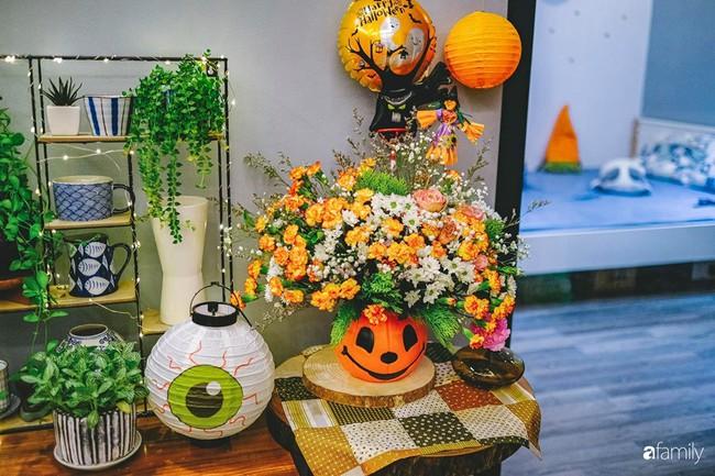 Căn hộ 86m2 rực rỡ sắc màu Halloween nhờ bàn tay khéo léo của mẹ trẻ yêu thích cắm hoa ở Hà Nội - Ảnh 9.