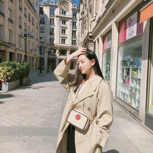 street style trench coat - Ảnh 4.