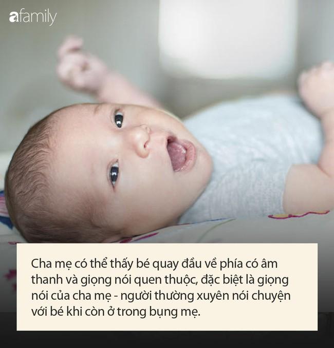 Các cột mốc phát triển quan trọng của em bé sơ sinh 1 tháng tuổi mà cha mẹ cần lưu ý - Ảnh 2.