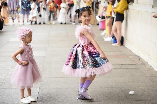 Cô bé Hà Nội vô gia cư ngày ấy, nay sải bước tại The Best Street Style với thần thái không thể tin nổi - Ảnh 5.