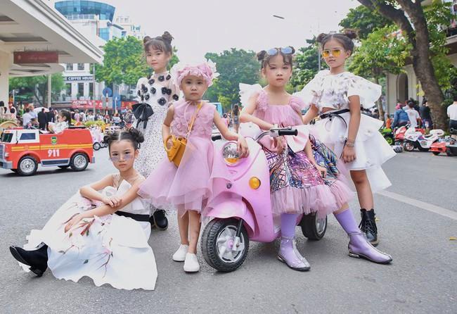 Cô bé Hà Nội vô gia cư ngày ấy, nay sải bước tại The Best Street Style với thần thái không thể tin nổi - Ảnh 3.