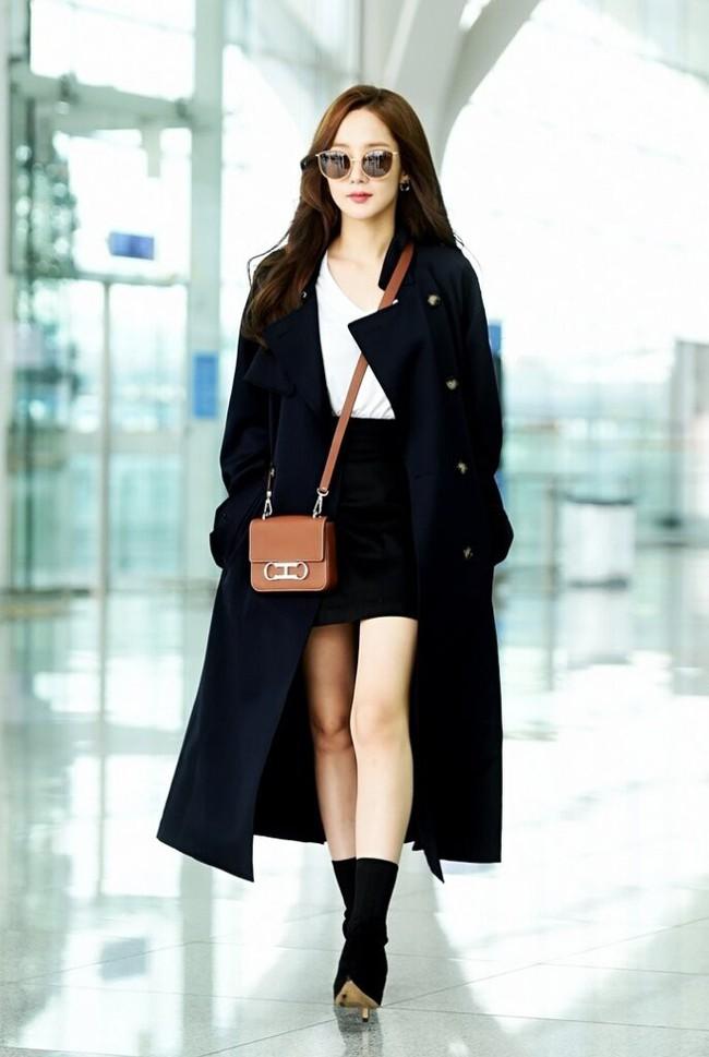 street style trench coat - Ảnh 10.