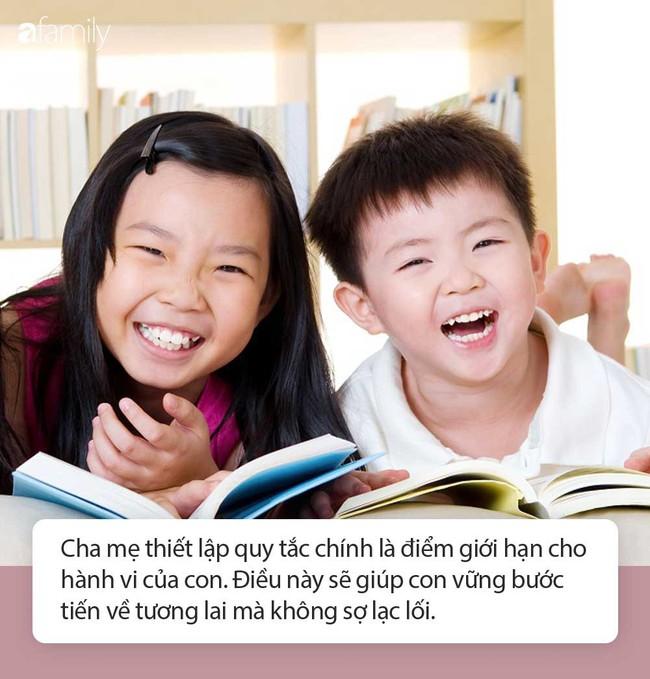 Cậu bé vào hiệu sách đọc tiếng Anh vanh vách, nhưng không ai khen ngợi chỉ vì lý do này  - Ảnh 3.