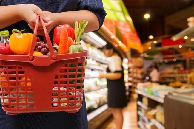 """Dễ mà khó: Làm cách nào để tiết kiệm được nhiều tiền nhất khi đi siêu thị, hãy nghe các chị em chia sẻ 7 """"bí kíp"""" tinh ranh  - Ảnh 3."""