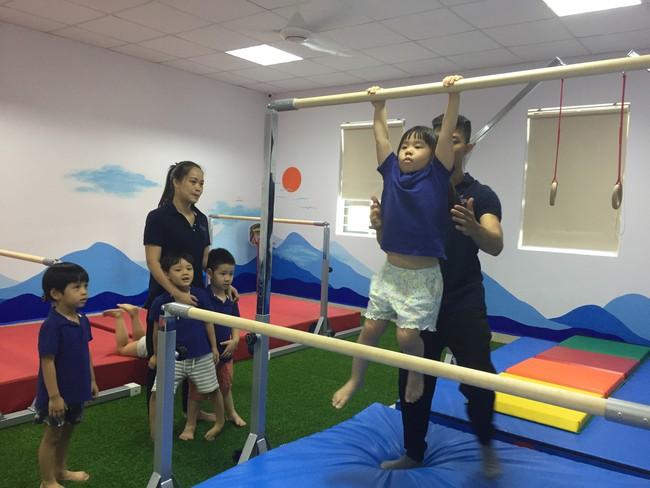 Cha mẹ nên khuyến khích trẻ tập 4 bài thể dục đơn giản này mỗi ngày để giúp trẻ phát triển chiều cao tối đa - Ảnh 5.
