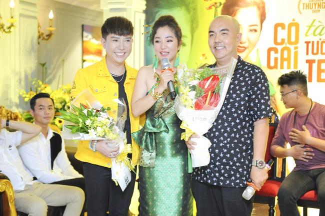 Thúy Nga sẵn sàng bán nhà, lý giải tin đồn mâu thuẫn nên không mời Việt Hương tham gia liveshow - Ảnh 8.