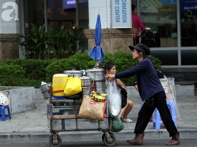 Người dân tận hưởng gì sau cơn mưa giúp không khí Hà Nội sạch hơn - Ảnh 10.
