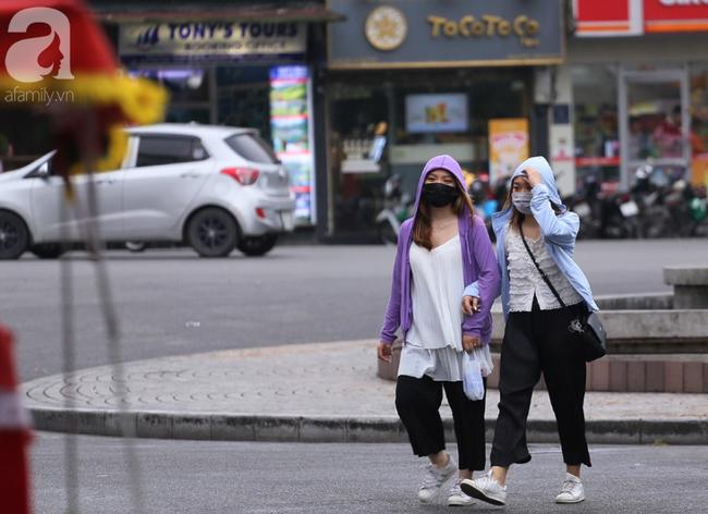 Người dân tận hưởng gì sau cơn mưa giúp không khí Hà Nội sạch hơn - Ảnh 14.