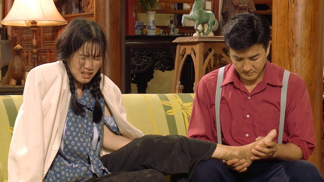 """""""Tiếng sét trong mưa"""": Đừng vội đánh giá Thị Bình - Nhật Kim Anh hóa thân già bị """"làm lố"""", sự thật nằm ở đây - Ảnh 3."""