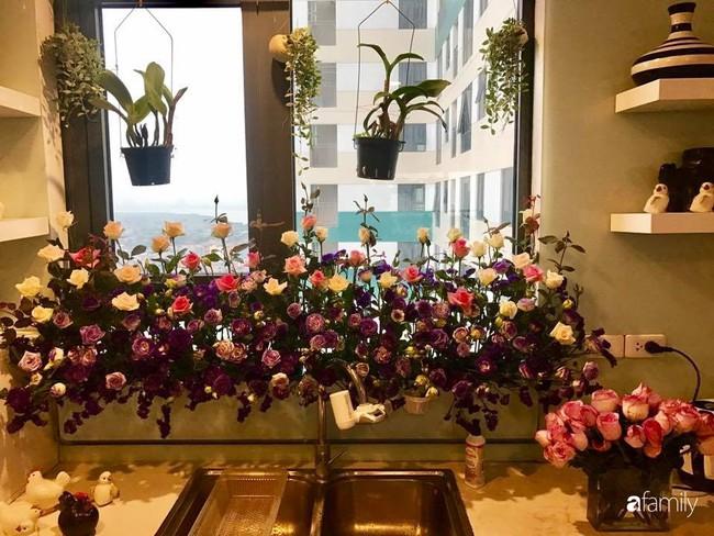 Căn bếp thơm hương của bà mẹ yêu thích cắm hoa trang trí nơi nấu nướng ở Hà Nội - Ảnh 8.