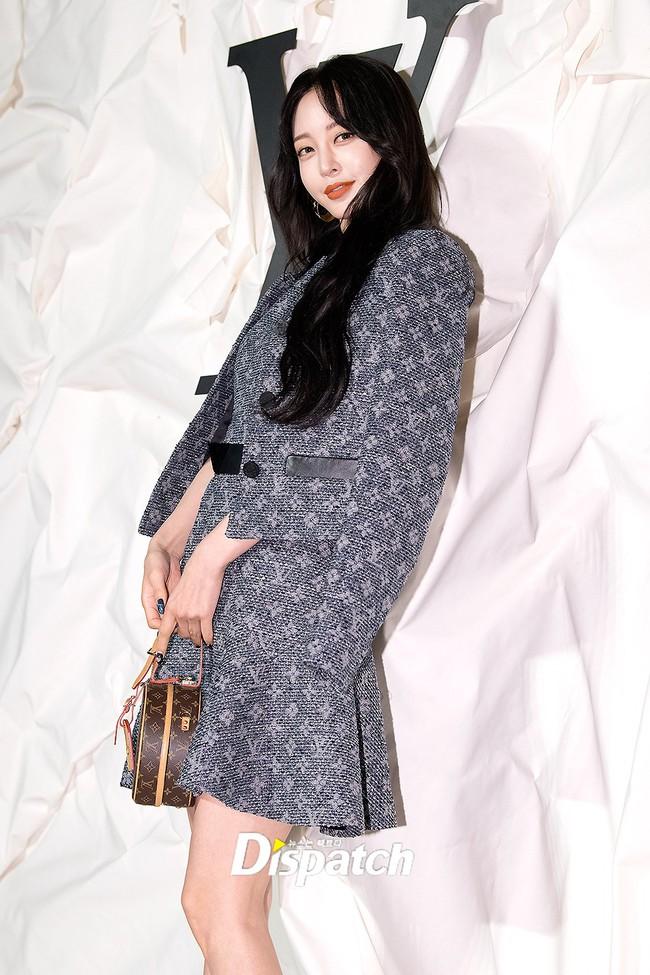 """Sự kiện nóng nhất showbiz Hàn: """"Yêu tinh"""" Gong Yoo điển trai phong độ, """"tình cũ"""" của cậu cả Brooklyn Beckham - Chloe Moretz lấn lướt dàn mỹ nhân Kbiz - Ảnh 16."""