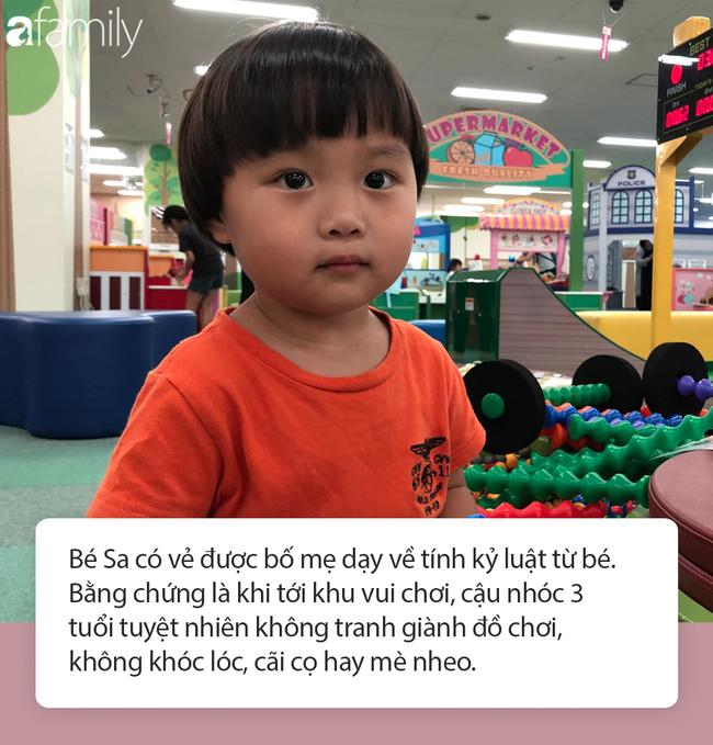 Lý do gì khiến nhóc Sa 3 tuổi ngoan ngoãn ngồi xem mẹ quay Vlog, có thể bởi cách dạy con cực khéo của Quỳnh Trần JP - Ảnh 8.
