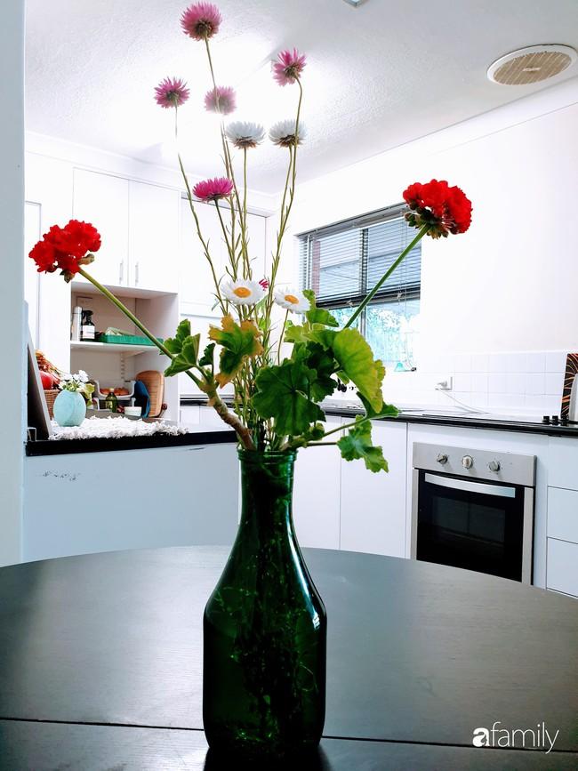 Căn bếp giản đơn, ấm cúng của mẹ trẻ yêu thích phong cách tối giản - Ảnh 9.