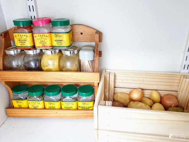 Căn bếp giản đơn, ấm cúng của mẹ trẻ yêu thích phong cách tối giản - Ảnh 13.