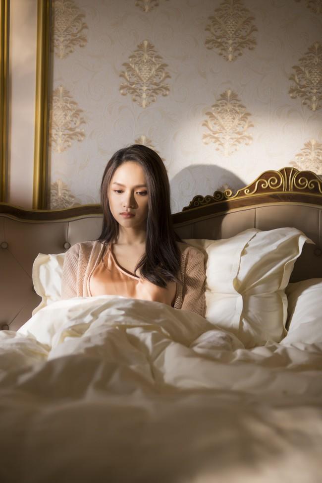 """Drama nối tiếp drama, Hương Giang đứng trước nguy cơ tiếp tục bị bạn thân cướp mất người yêu mới trong phần 3 """"Anh đang ở đâu đấy anh"""" - Ảnh 5."""