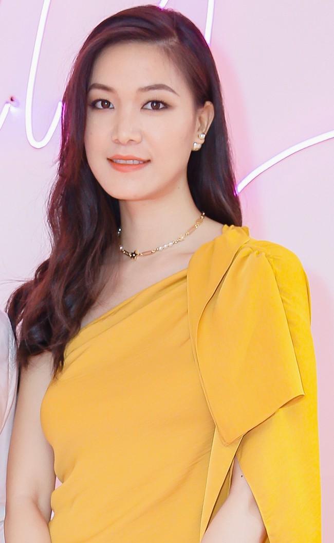 Lâu ngày tái xuất, Hoa hậu Việt Nam Thùy Dung vẫn đẹp nền nã không lẫn vào đâu được - Ảnh 1.