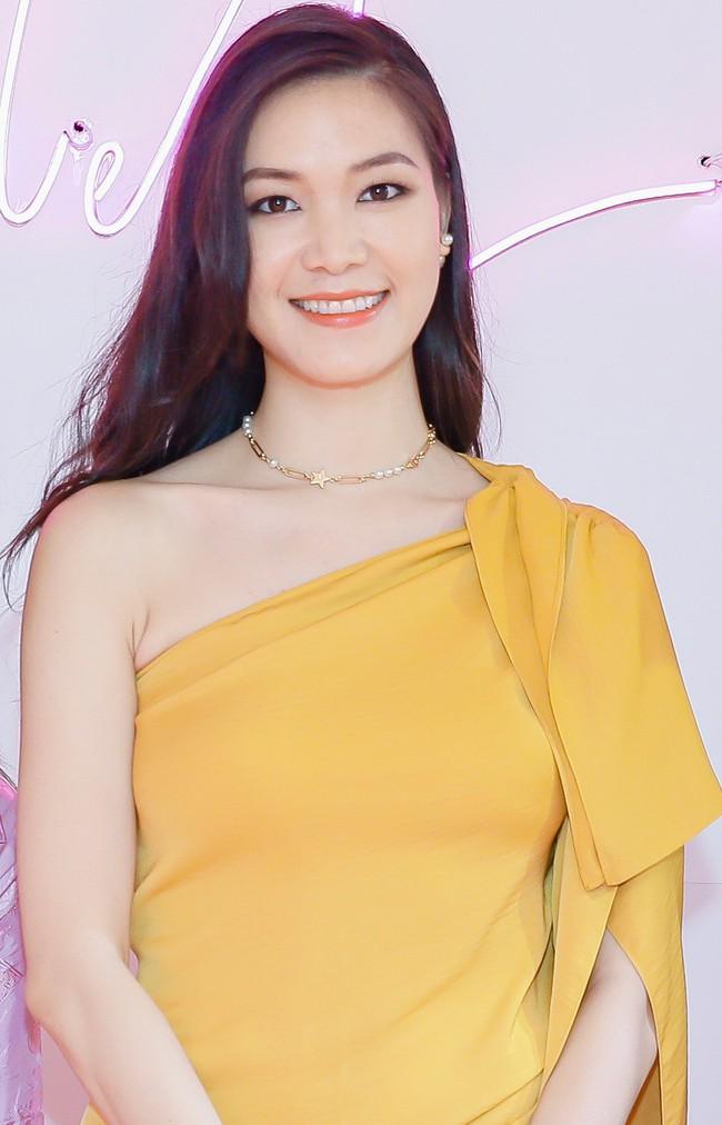 Lâu ngày tái xuất, Hoa hậu Việt Nam Thùy Dung vẫn đẹp nền nã không lẫn vào đâu được - Ảnh 2.