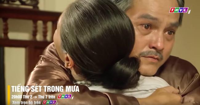 """""""Tiếng sét trong mưa"""": Khải Duy ngốc đến mức phải đợi Thị Bình hát ru như 24 năm trước mới nhận ra vợ mình - Ảnh 3."""