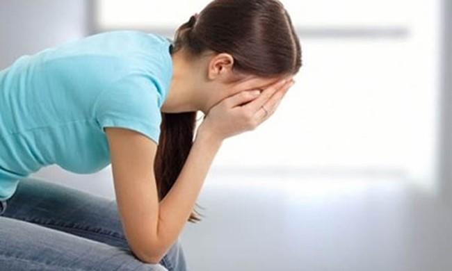 Ra mắt gia đình người yêu, tôi sững sờ rồi bật khóc khi thấy ảnh người phụ nữ trên bàn thờ còn đỏ lửa (P2) - Ảnh 1.