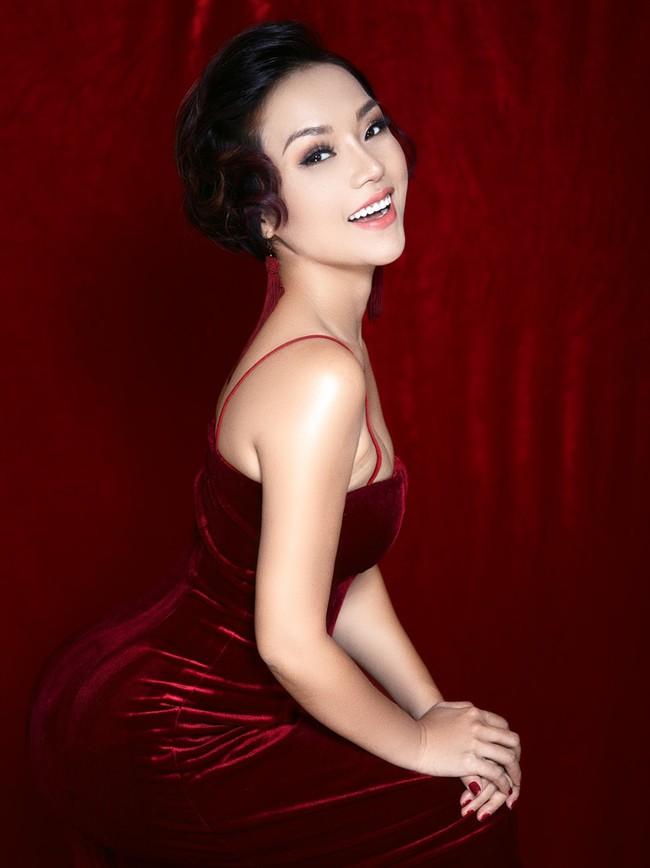 Thái Thùy Linh: Bước qua hai cuộc hôn nhân vẫn chưa một lần mặc váy cưới - Ảnh 1.