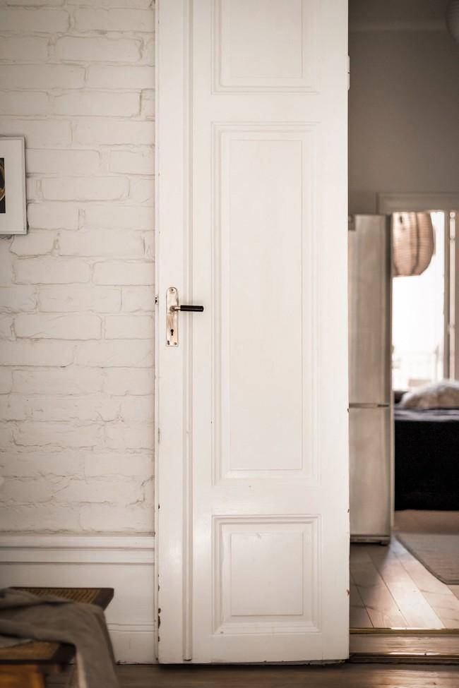 Bài trí nội thất tưởng đơn giản, ít ỏi, căn hộ nhỏ 44m2 ở Nga vẫn hiện lên vô cùng lộng lẫy - Ảnh 10.