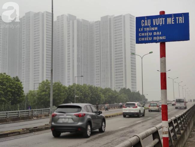 Thời tiết se lạnh, sương mù bất ngờ bao phủ Hà Nội, người dân lo sợ khi chỉ số ô nhiễm lại ở mức báo động tím - Ảnh 16.