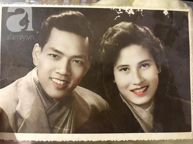 Mối tình thế kỷ của người phụ nữ đẹp nức tiếng Hải Phòng, chồng mất năm 23 tuổi, 55 năm qua trong mắt vẫn chỉ có bóng hình người đàn ông duy nhất - Ảnh 1.