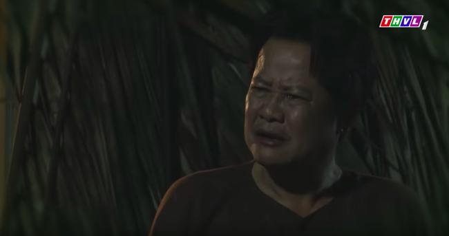 """""""Tiếng sét trong mưa"""": Nửa đêm trốn đi hẹn hò, bị bố dượng lấy chổi đập đầu mà con trai Thị Bình vẫn nói chuyện y hệt Khải Duy  - Ảnh 2."""