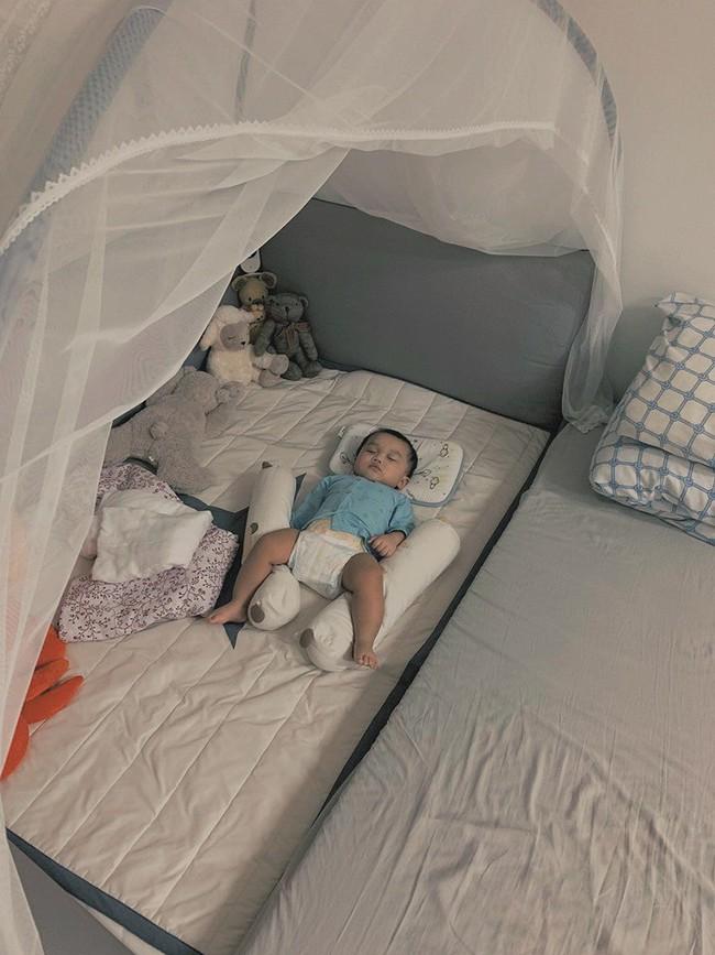 """Học ông bố đơn thân """"thiết quân luật"""" cho con từ khi lọt lòng, 3 tháng bé đã ngủ 1 mạch xuyên đêm - Ảnh 3."""