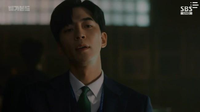"""""""Vagabond"""": Choáng với cảnh Suzy say rượu, đè Lee Seung Gi hôn đắm đuối  - Ảnh 1."""