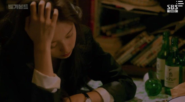"""""""Vagabond"""": Choáng với cảnh Suzy say rượu, đè Lee Seung Gi hôn đắm đuối  - Ảnh 11."""