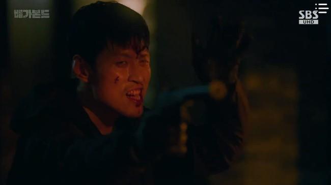 """""""Vagabond"""": Choáng với cảnh Suzy say rượu, đè Lee Seung Gi hôn đắm đuối  - Ảnh 4."""