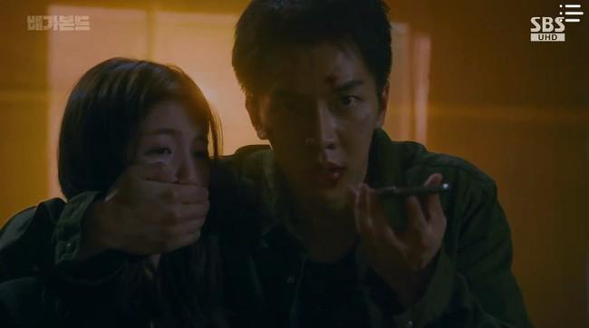 """""""Vagabond"""": Choáng với cảnh Suzy say rượu, đè Lee Seung Gi hôn đắm đuối  - Ảnh 7."""