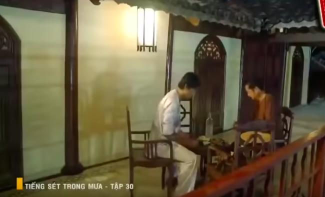 """""""Tiếng sét trong mưa"""": Nghe ông Quý hỏi chuyện đồi bại với mẹ kế, con trai Thị Bình run tay, sợ đến mức tái xanh mặt  - Ảnh 7."""