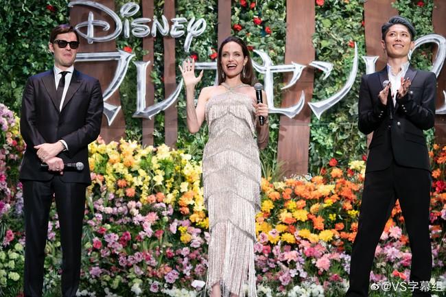"""""""Nữ hoàng""""  Angelina Jolie khiến dân tình chao đảo với nhan sắc đỉnh cao, diện đồ đẹp hơn cả người mẫu của hãng - Ảnh 7."""