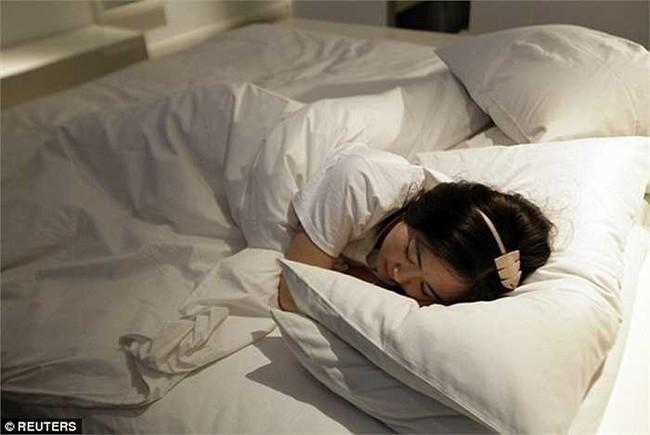 Tân hôn xong bỗng thấy vùng kín sưng lên, cô vợ trẻ không ngờ mình đã mắc căn bệnh này - Ảnh 2.