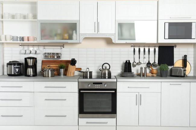 7 sai lầm trong khâu tổ chức khiến nhà bếp của bạn trở nên vô cùng luộm thuộm - Ảnh 3.