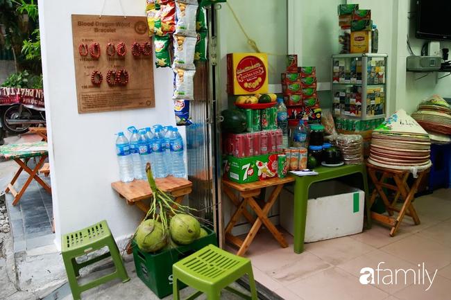 """Đến phố cafe đường tàu Phùng Hưng, nhâm nhi ăn gì uống gì ngồi chờ tàu cho hợp """"mốt""""? - Ảnh 11."""