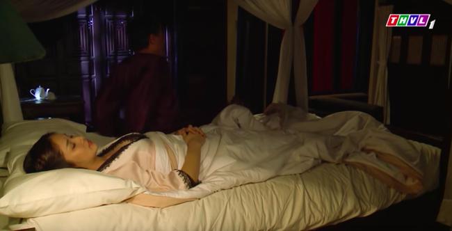 """""""Tiếng sét trong mưa"""": Mặc áo ngủ cực sexy mà Khải Duy không màng tới, bảo sao Hạnh Nhi không ngoại tình  - Ảnh 3."""