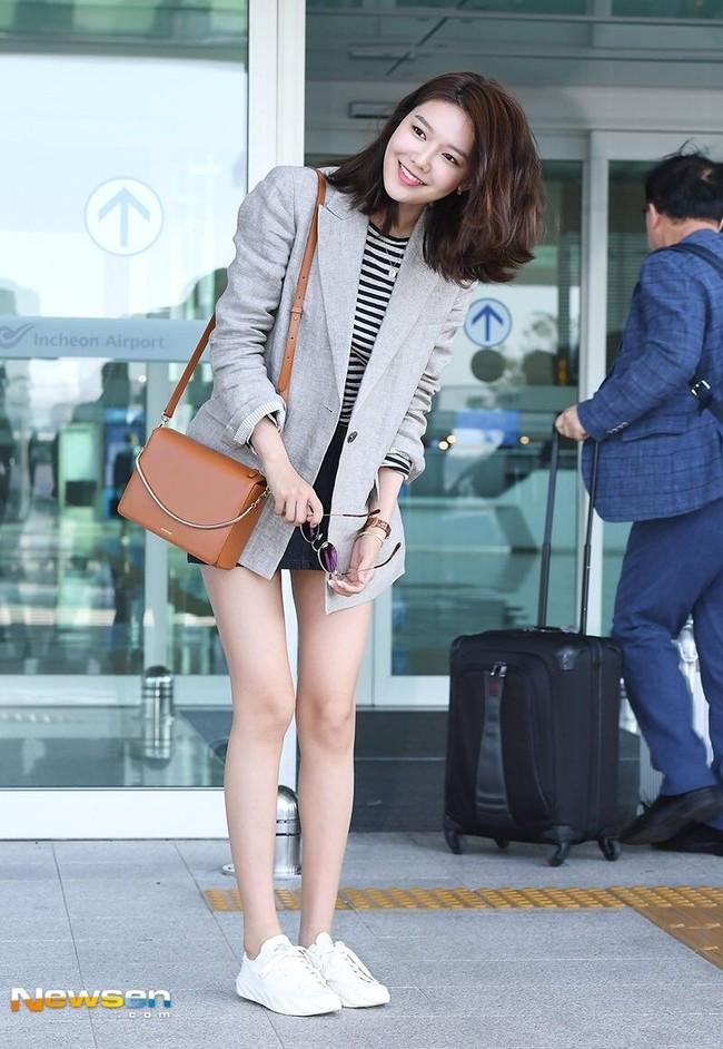 Sao Hàn mặc blazer: 5 chiêu thức thường xuyên được sử dụng để biến chiếc áo đứng dáng thành thời thượng sang chảnh ngút ngàn - Ảnh 4.