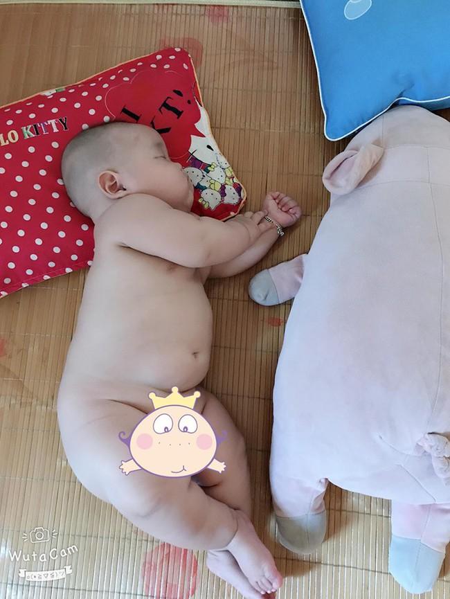 Đúng như tên gọi, bé trai 8 tháng đã nặng 14kg, mỗi tháng tăng đều hơn 1kg - Ảnh 6.