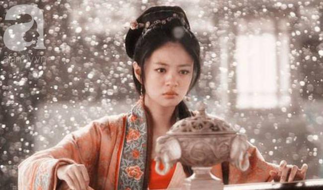 Kỹ nữ đẹp nức tiếng thời Tống, đàn ông đều quỳ gối dưới gấu váy cô, Hoàng đế phải đào đường hầm từ cung điện đến lầu xanh để gặp - Ảnh 1.