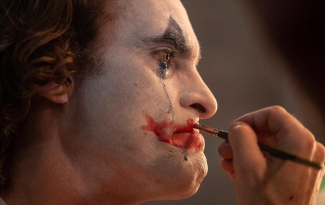 """Joker - bộ phim đang được bàn tán nhiều nhất hiện nay, nhưng trái ngang sao lại bị phần lớn hội chị em """"tạt nguyên gáo nước lạnh""""!? - Ảnh 2."""