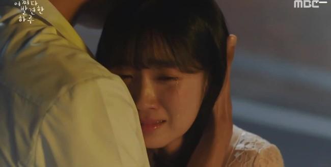 """""""Cậu thật phi thường"""" tập 9: Khóc hết nước mắt khi Haru lấy lại ký ức, quyết tâm thay đổi cốt truyện để cứu Dan Oh - Ảnh 2."""