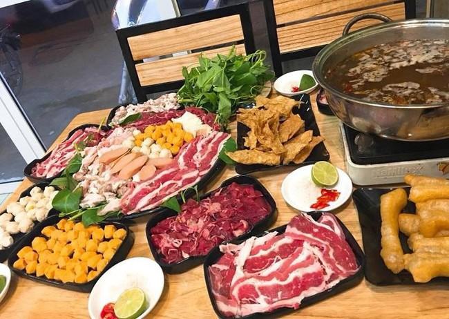 Tiết lộ choáng váng về góc khuất phía sau món mì cay, buffet giá rẻ từ một cựu nhân viên phục vụ khiến chị em giật mình