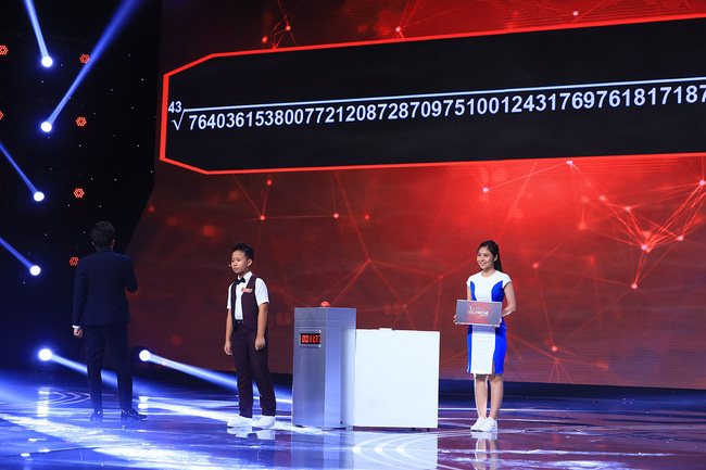 """""""Siêu trí tuệ Việt Nam"""": Trấn Thành bái phục trước """"thần đồng toán học"""" 12 tuổi khai căn dãy 63 con số chỉ mất 11 giây  - Ảnh 3."""