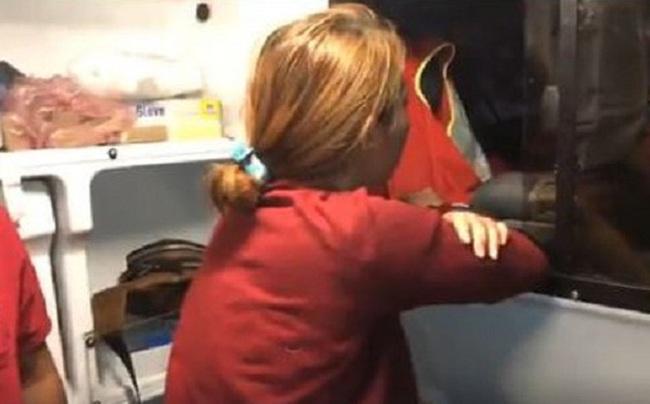 Cô gái trẻ bị người tình tra tấn, dùng xăng đổ lên người suýt thiêu sống trong nhà trọ ở Tây Ninh - Ảnh 1.